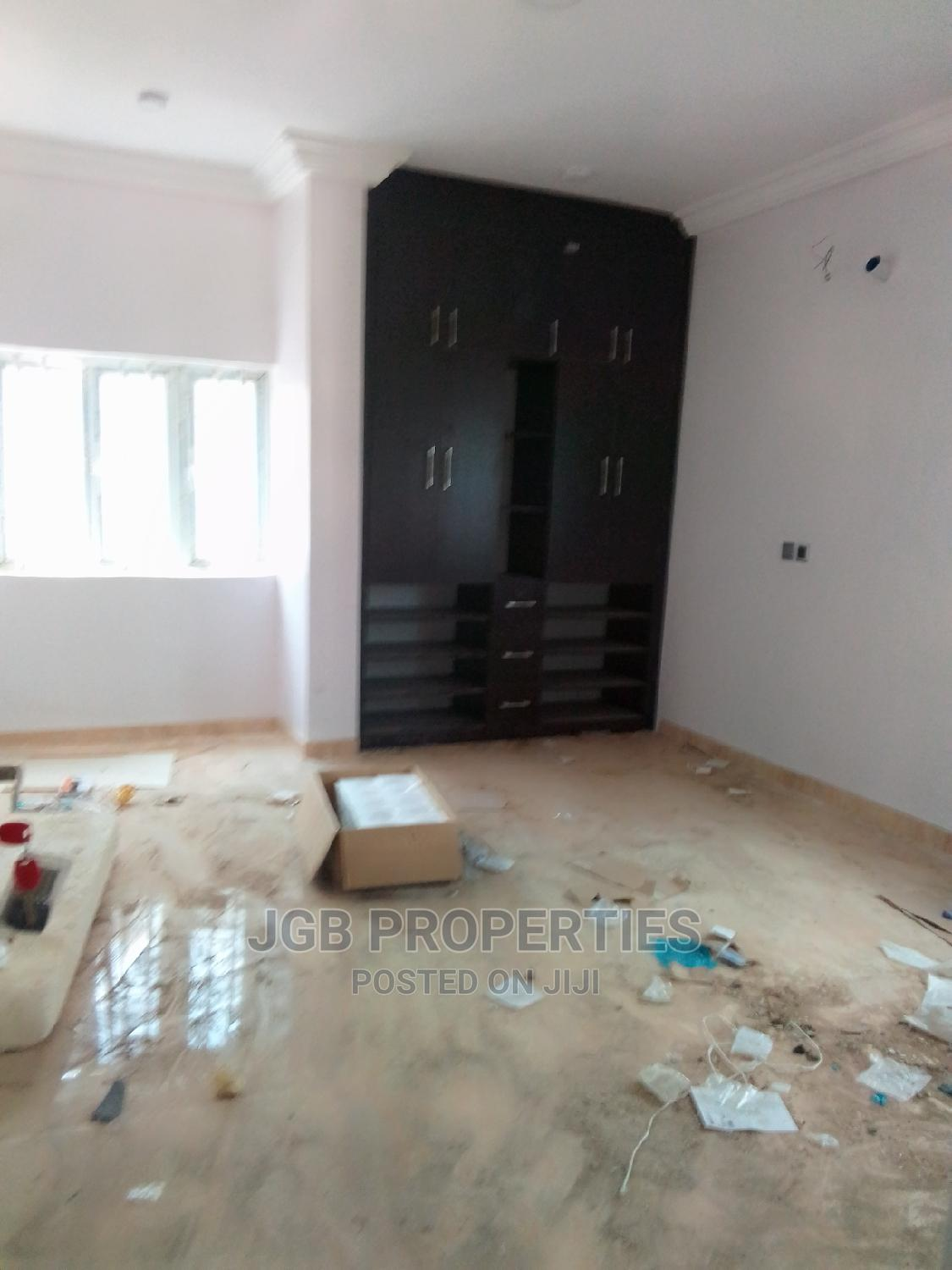 Archive: Furnished 3bdrm Block of Flats in Katampe for Rent