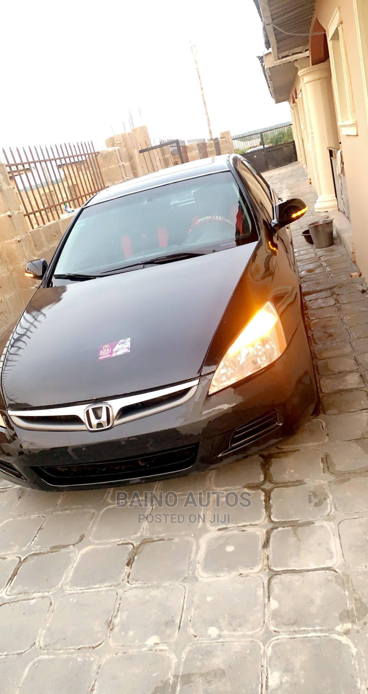 Archive: Honda Accord 2007 2.4 Black
