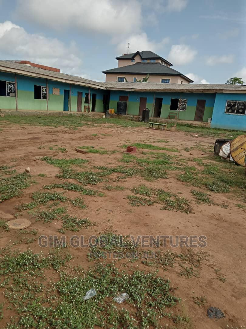 Archive: 10bdrm Bungalow in Alimosho for Sale