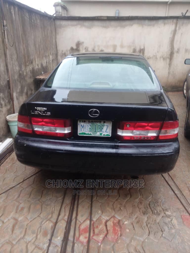 Archive: Lexus ES 2001 300 Black