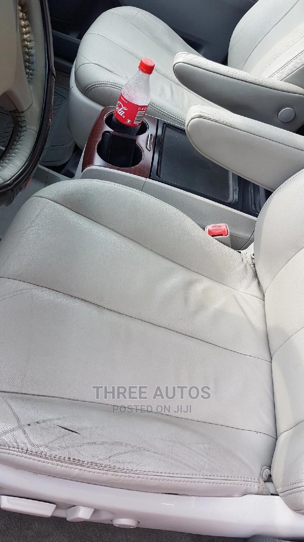 Archive: Toyota Sienna 2013 XLE FWD 8-Passenger Blue