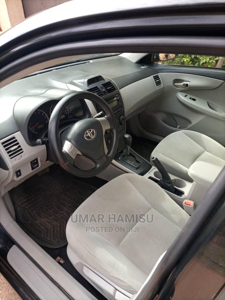 Archive: Toyota Corolla 2013 Black