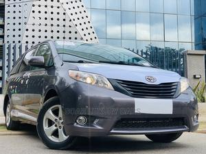Toyota Sienna 2012 LE 8 Passenger Gray | Cars for sale in Abuja (FCT) State, Central Business District