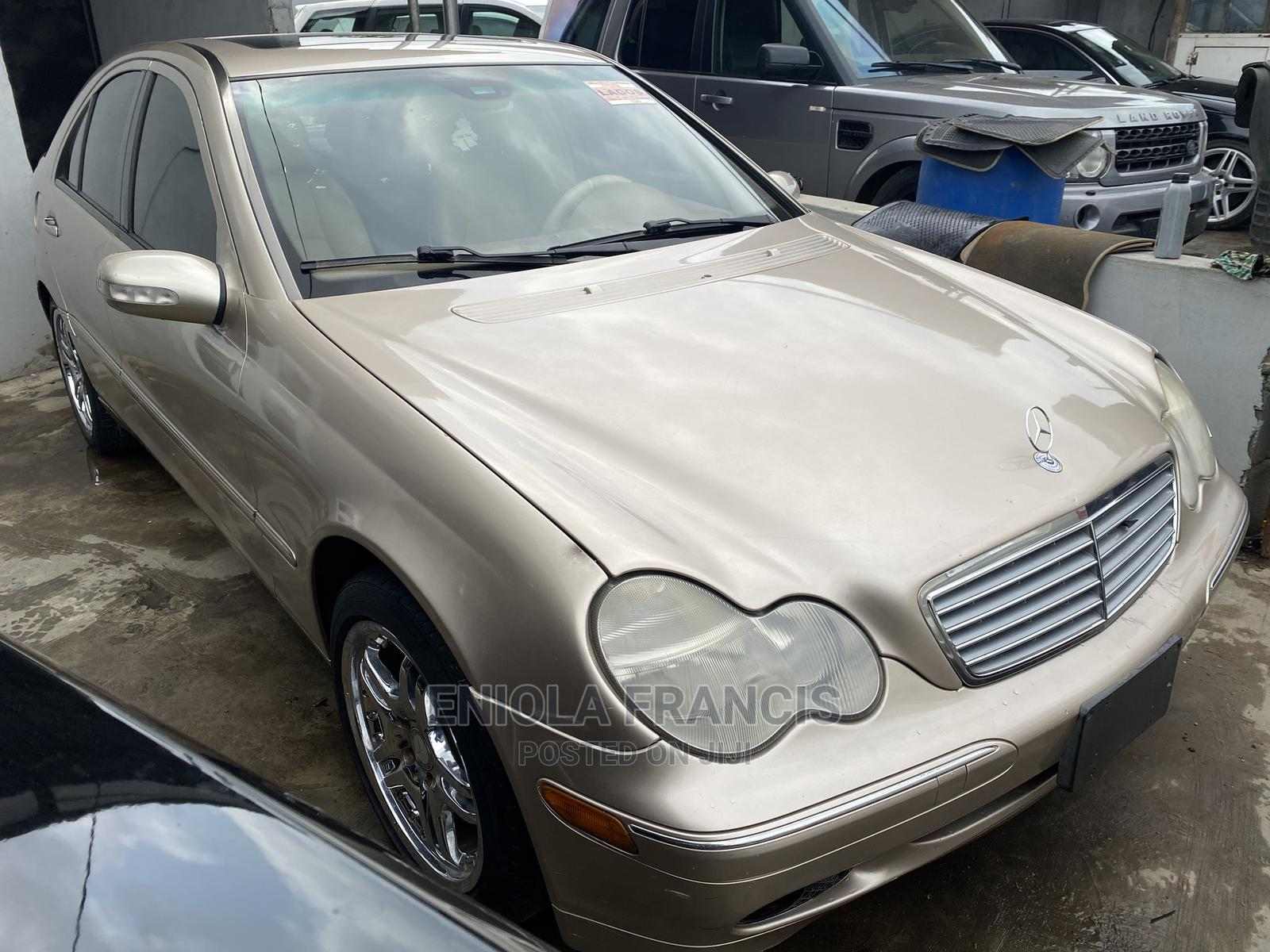 Mercedes-Benz C240 2002 Gold
