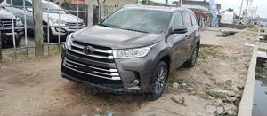 Toyota Highlander 2017 XLE 4x4 V6 (3.5L 6cyl 8A) Gray | Cars for sale in Delta State, Warri