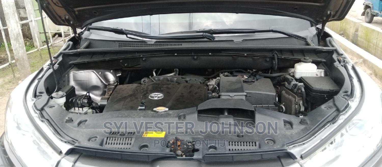 Toyota Highlander 2017 XLE 4x4 V6 (3.5L 6cyl 8A) Gray | Cars for sale in Warri, Delta State, Nigeria