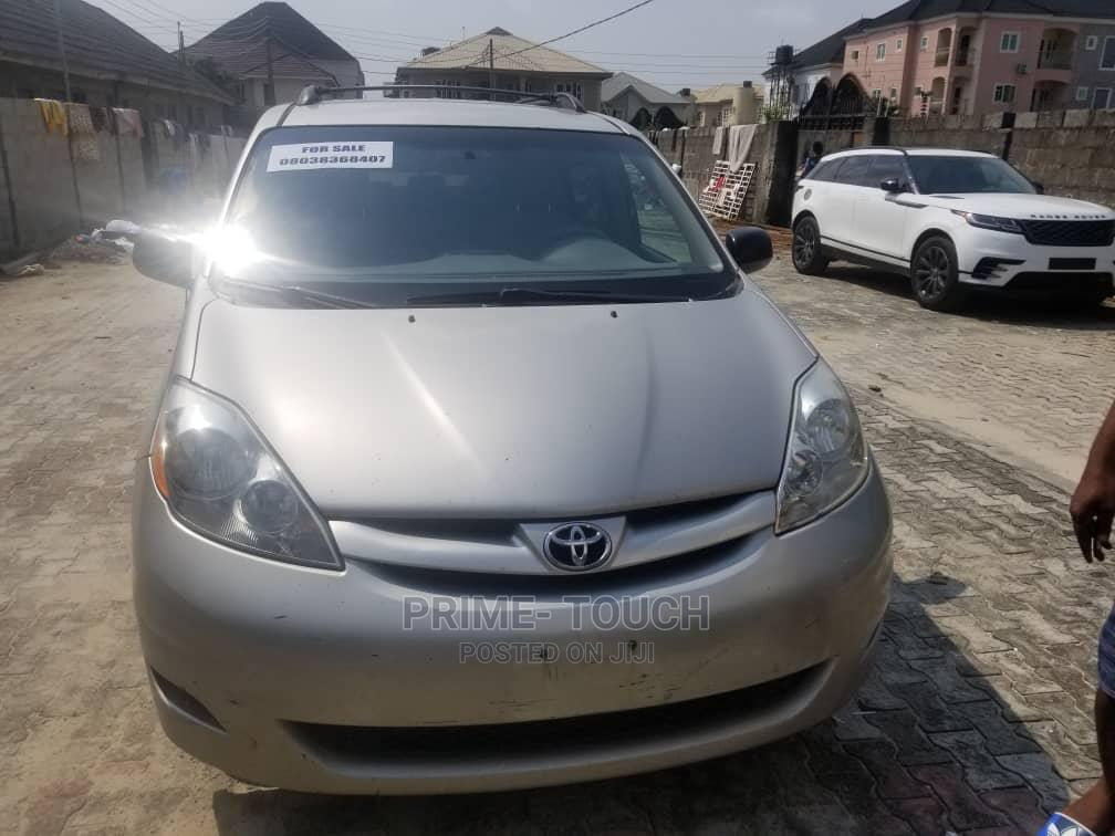 Toyota Sienna 2007 LE 4WD Silver