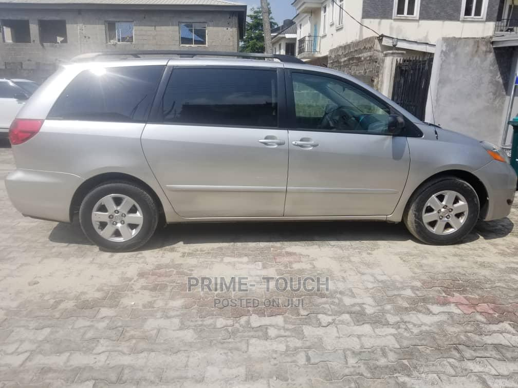 Toyota Sienna 2007 LE 4WD Silver   Cars for sale in Surulere, Lagos State, Nigeria