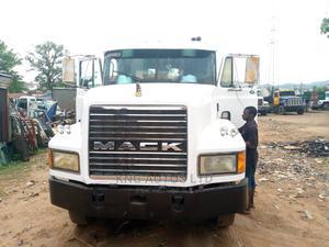 Mack Trailer Head White 2004   Trucks & Trailers for sale in Abuja (FCT) State, Kubwa