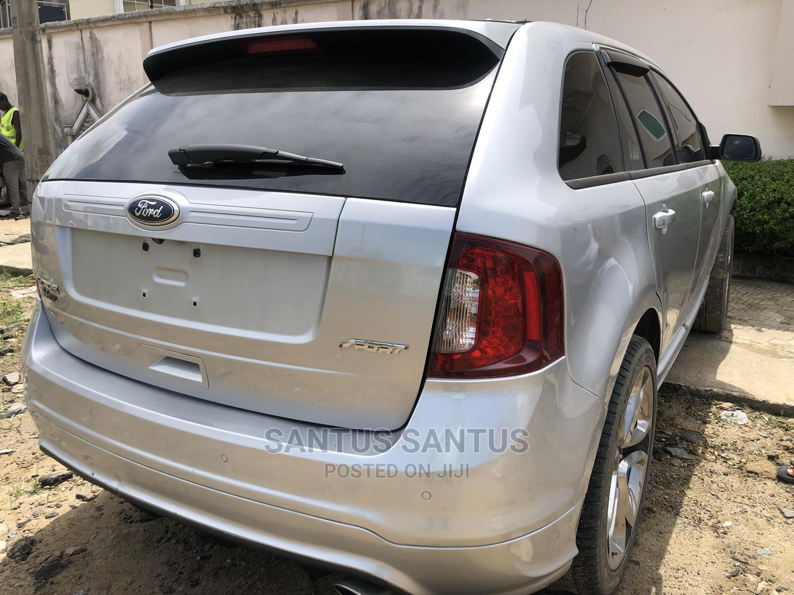 Archive: Ford Edge 2012 Silver