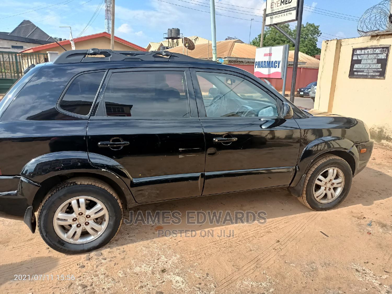 Hyundai Tucson 2005 GLS 4x4 Black   Cars for sale in Oshimili South, Delta State, Nigeria