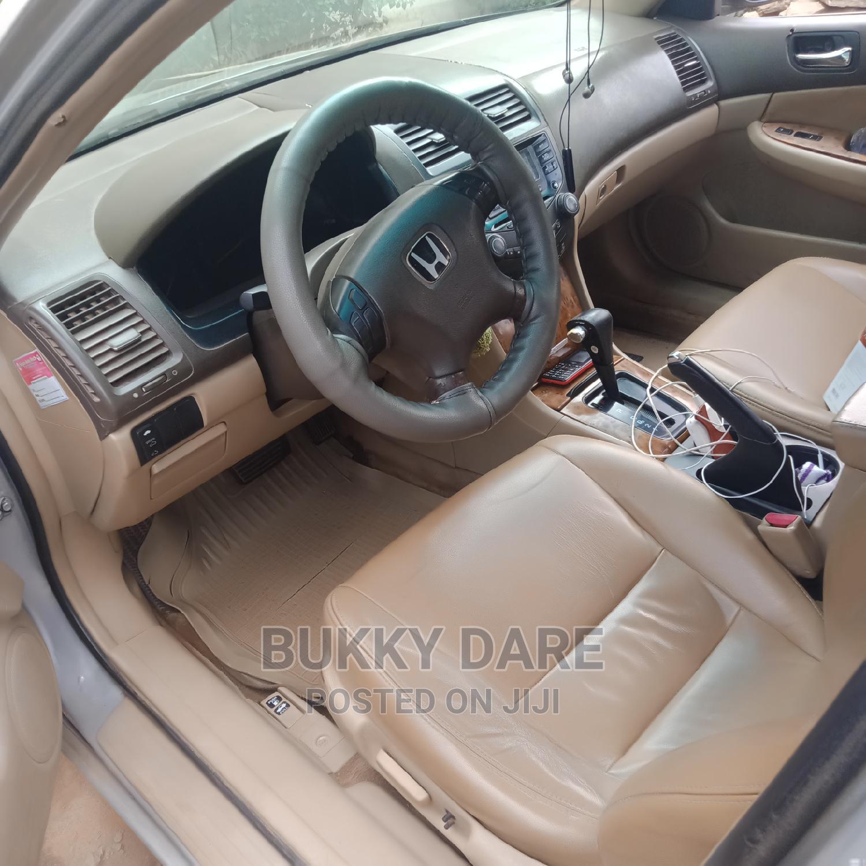 Archive: Honda Accord 2005 Sedan LX Automatic Gray