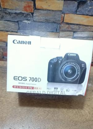 Canon EOS 700D Camera The Lens Is 18 - 55mm | Photo & Video Cameras for sale in Lagos State, Ojo