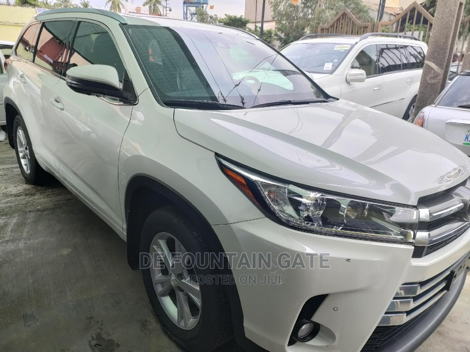 Toyota Highlander 2017 White   Cars for sale in Ogba, Lagos State, Nigeria