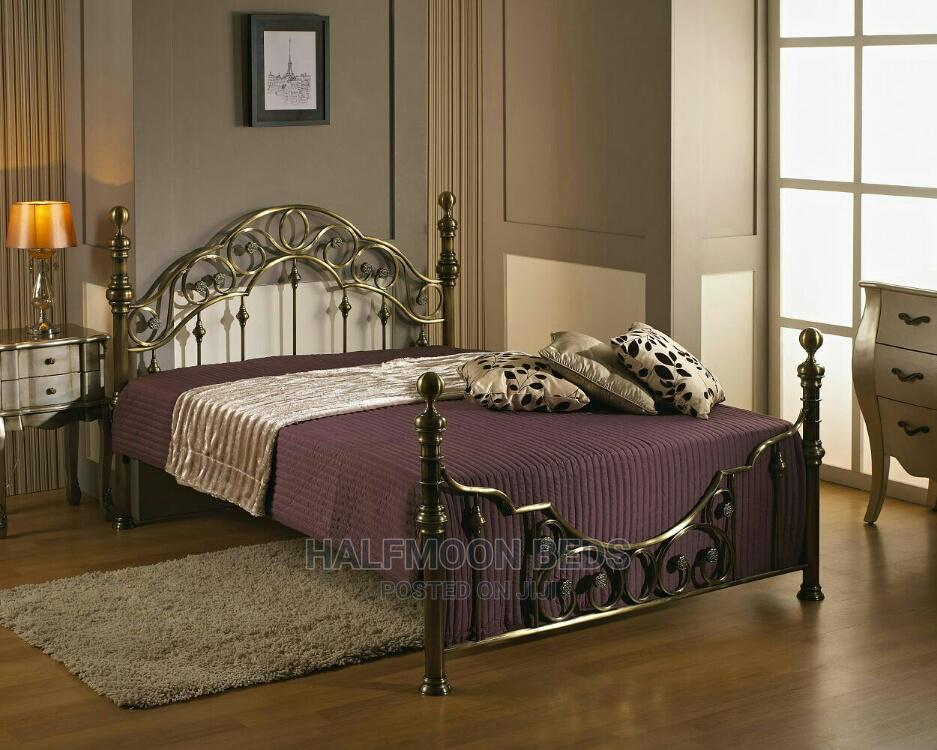 Classic Bed
