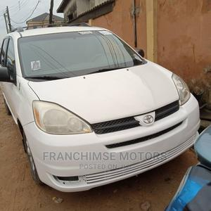 Toyota Sienna 2004 LE AWD (3.3L V6 5A) White | Cars for sale in Lagos State, Isolo
