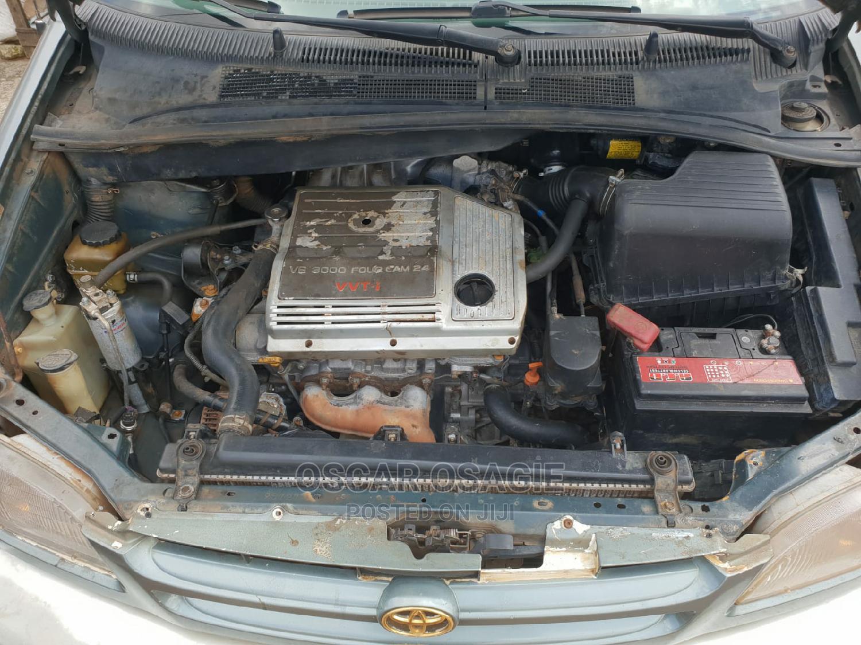 Archive: Toyota Sienna 2000 Green