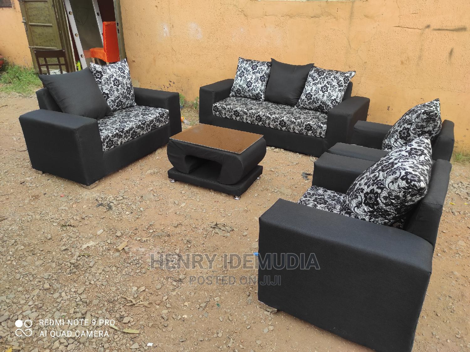Beautiful 7seaters With Center Table