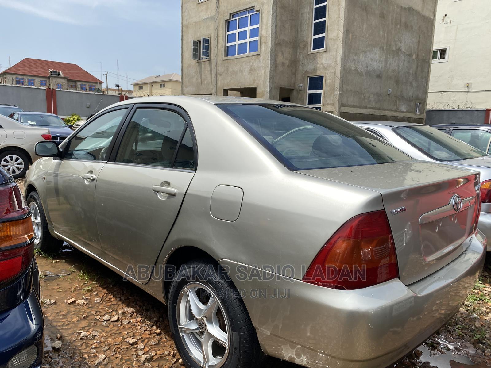 Archive: Toyota Corolla 2003 Gold