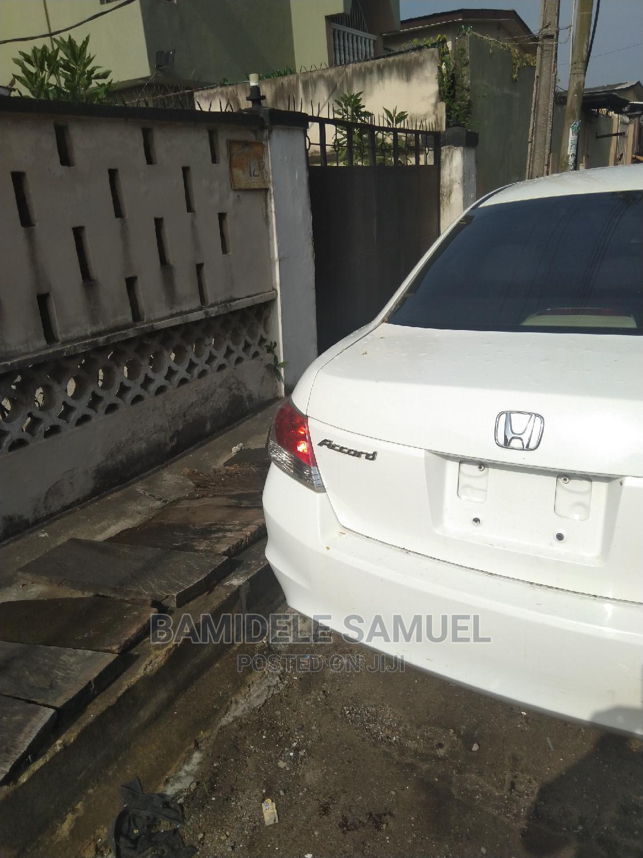 Archive: Honda Accord 2010 Sedan EX Automatic White