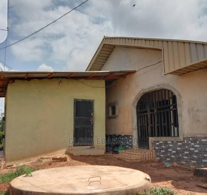 9bdrm Block of Flats in Youth Layout, Benin City for sale