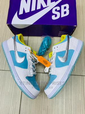 Nike SB Dunk Low Strange Love Sneakers Original   Shoes for sale in Lagos State, Surulere