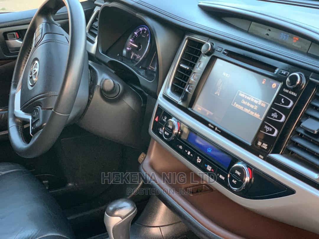 Toyota Highlander 2014 Black | Cars for sale in Garki 2, Abuja (FCT) State, Nigeria