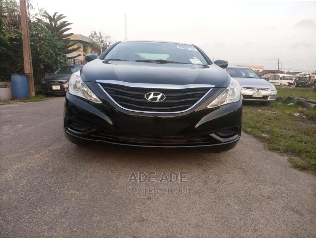Hyundai Sonata 2010 Black