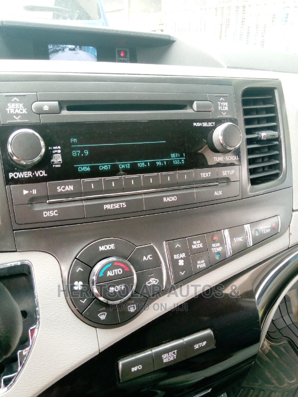 Toyota Sienna 2014 Silver | Cars for sale in Ojodu, Lagos State, Nigeria