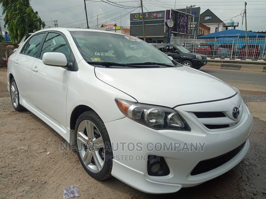 Toyota Corolla 2013 White