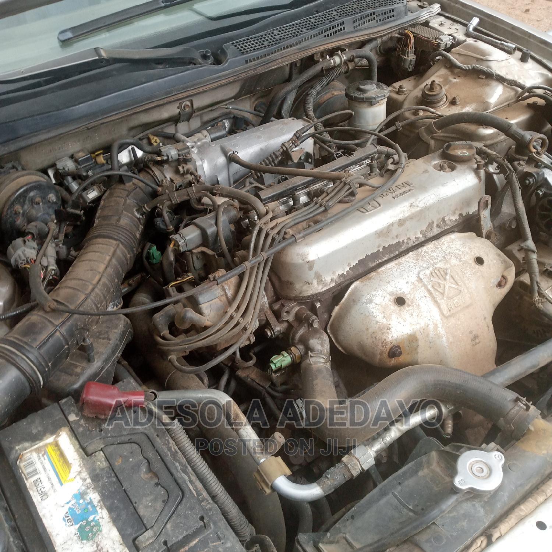 Archive: Honda Accord 1999 EX Gold