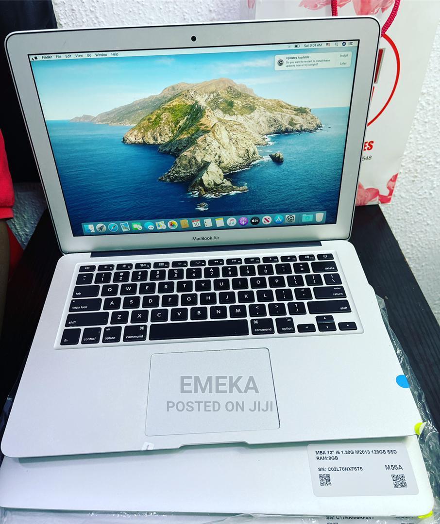 Archive: Laptop Apple MacBook Air 2013 4GB Intel Core I5 SSD 128GB