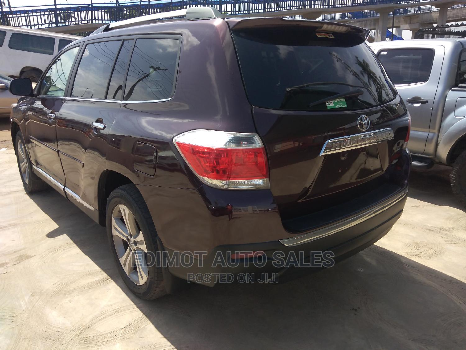 Toyota Highlander 2013 Limited 3.5L 2WD Red | Cars for sale in Ikeja, Lagos State, Nigeria