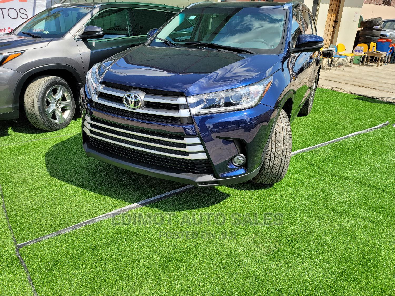 Toyota Highlander 2017 Blue