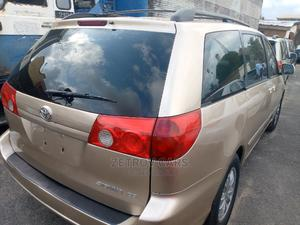 Toyota Sienna 2006 CE FWD Gold | Cars for sale in Lagos State, Amuwo-Odofin