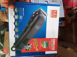 Rechargeable Batteries Hair Clippers and Trimmer | Tools & Accessories for sale in Lagos State, Ojo