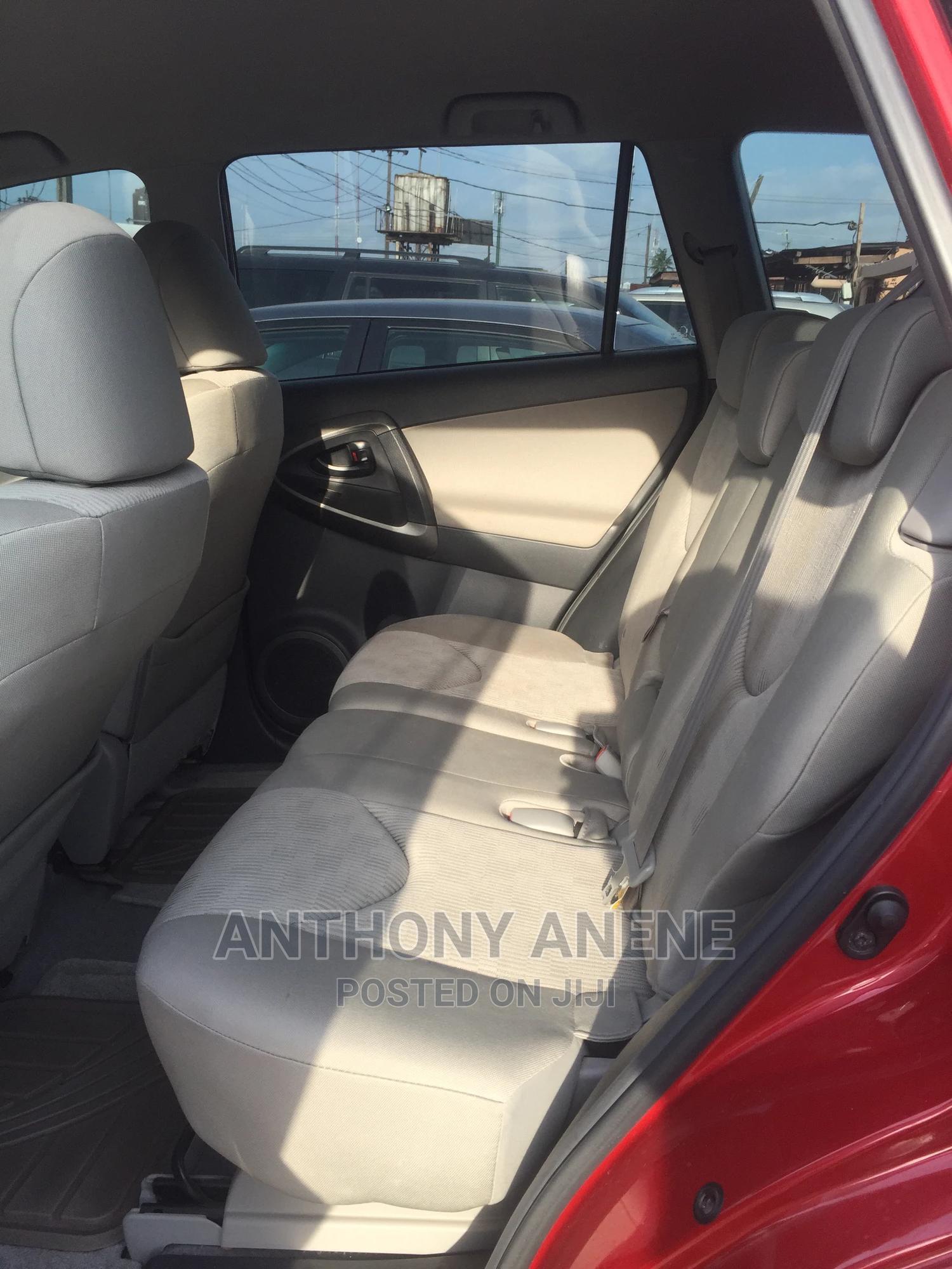 Archive: Toyota RAV4 2010 2.5 4x4 Red