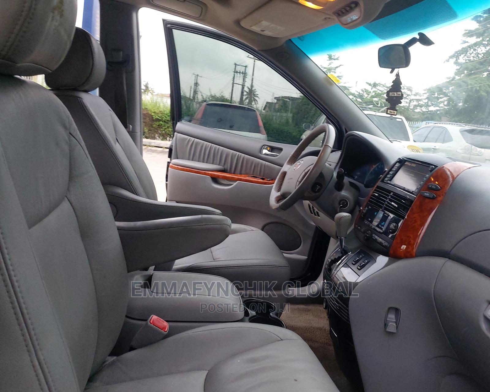 Toyota Sienna 2009 XLE Limited AWD Black | Cars for sale in Amuwo-Odofin, Lagos State, Nigeria