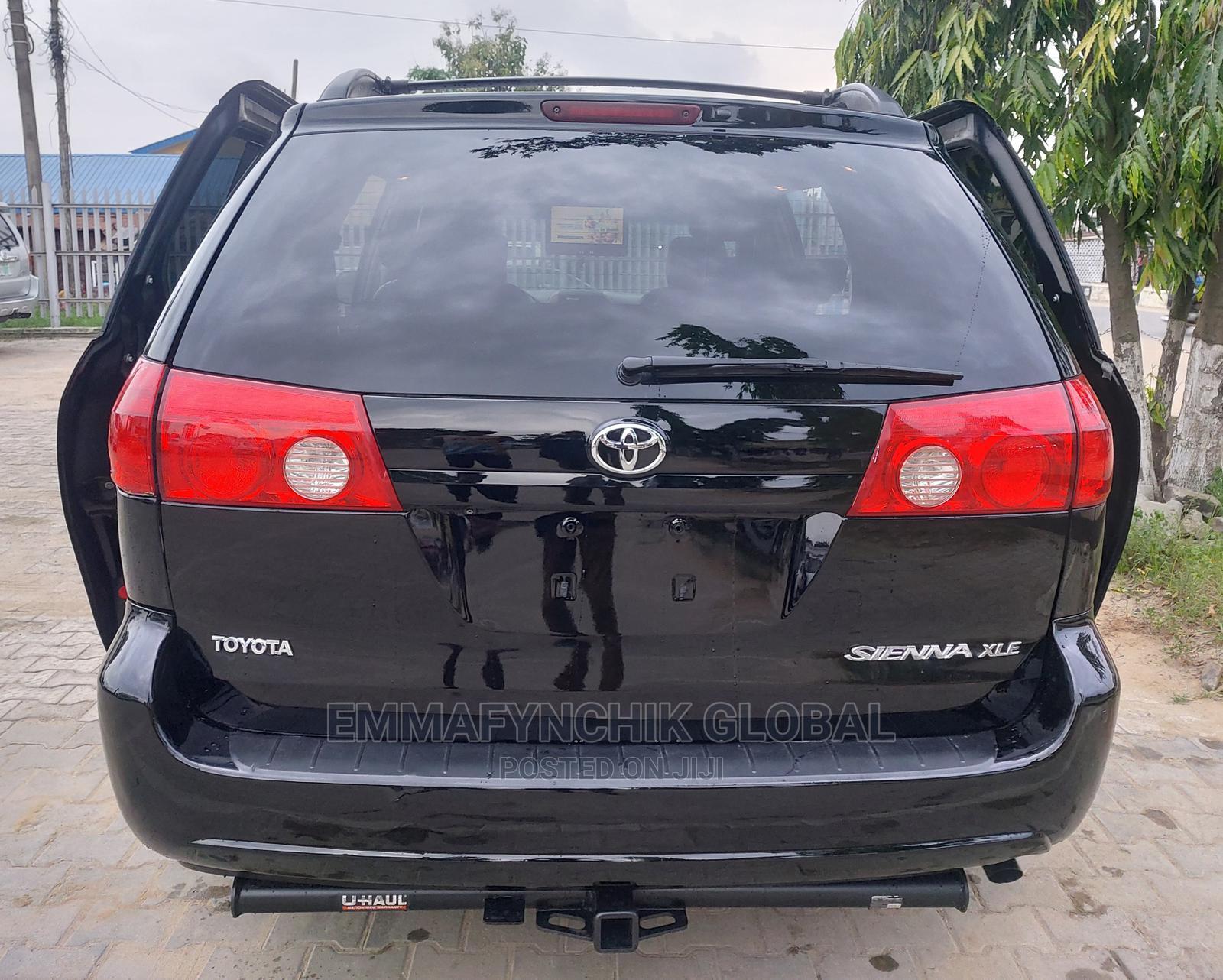 Toyota Sienna 2009 XLE Limited AWD Black