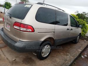 Toyota Sienna 2002 Gold | Cars for sale in Abuja (FCT) State, Gwagwalada