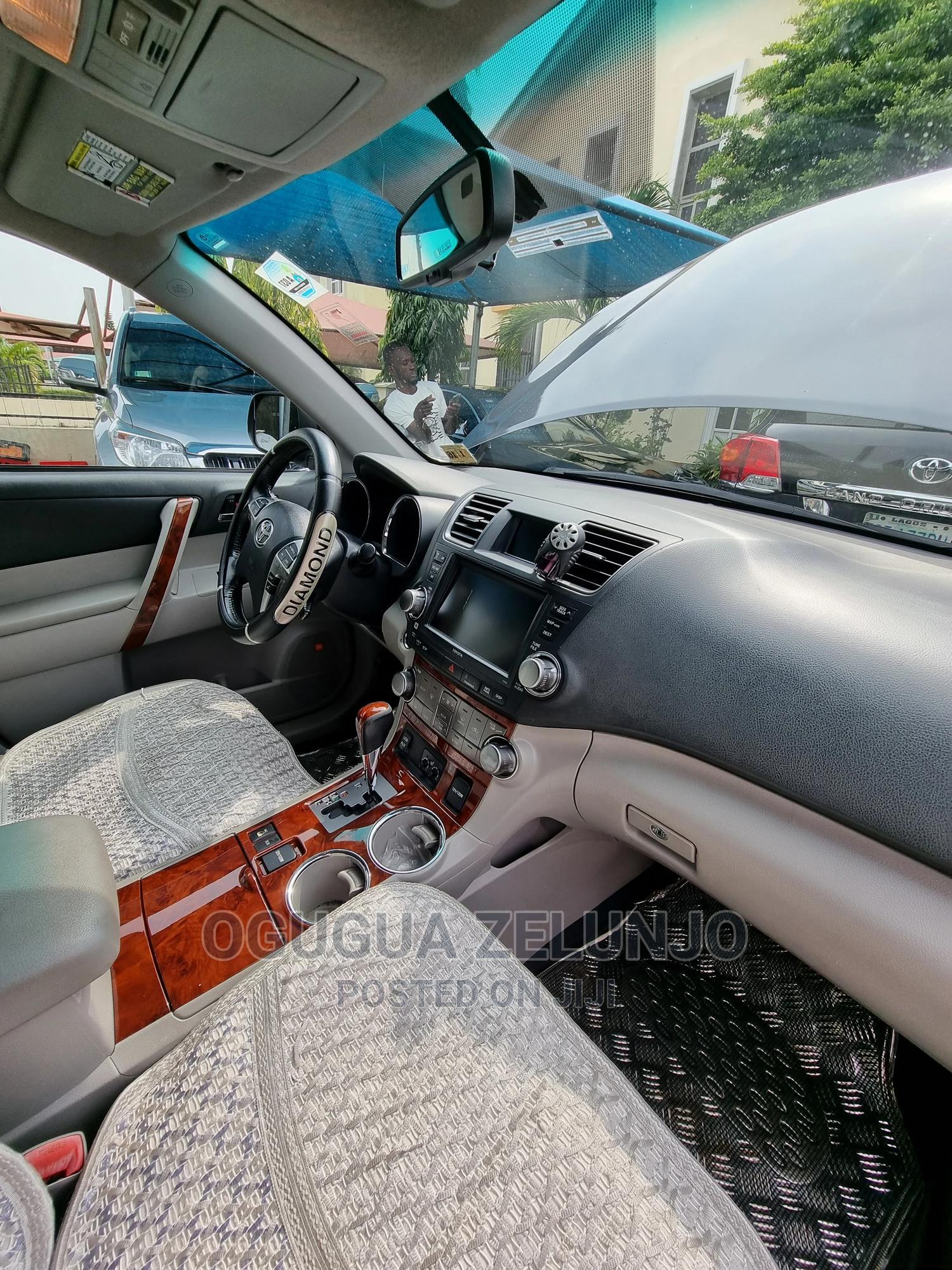 Archive: Toyota Highlander 2010 Limited Blue