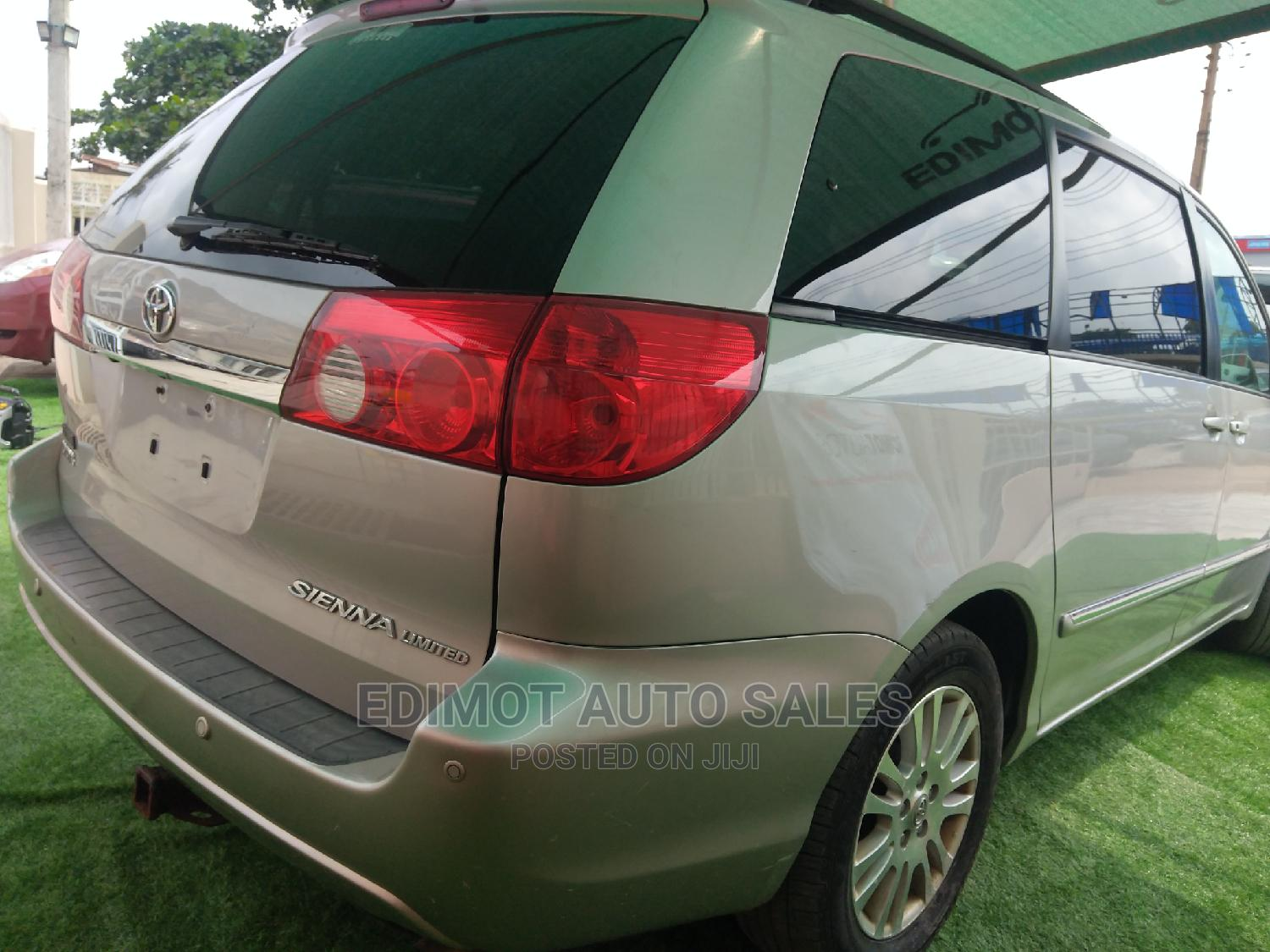 Toyota Sienna 2007 XLE Limited Silver   Cars for sale in Ikeja, Lagos State, Nigeria