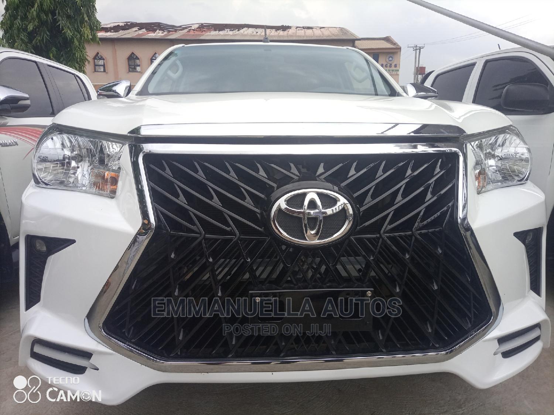 Toyota Hilux 2017 SR White
