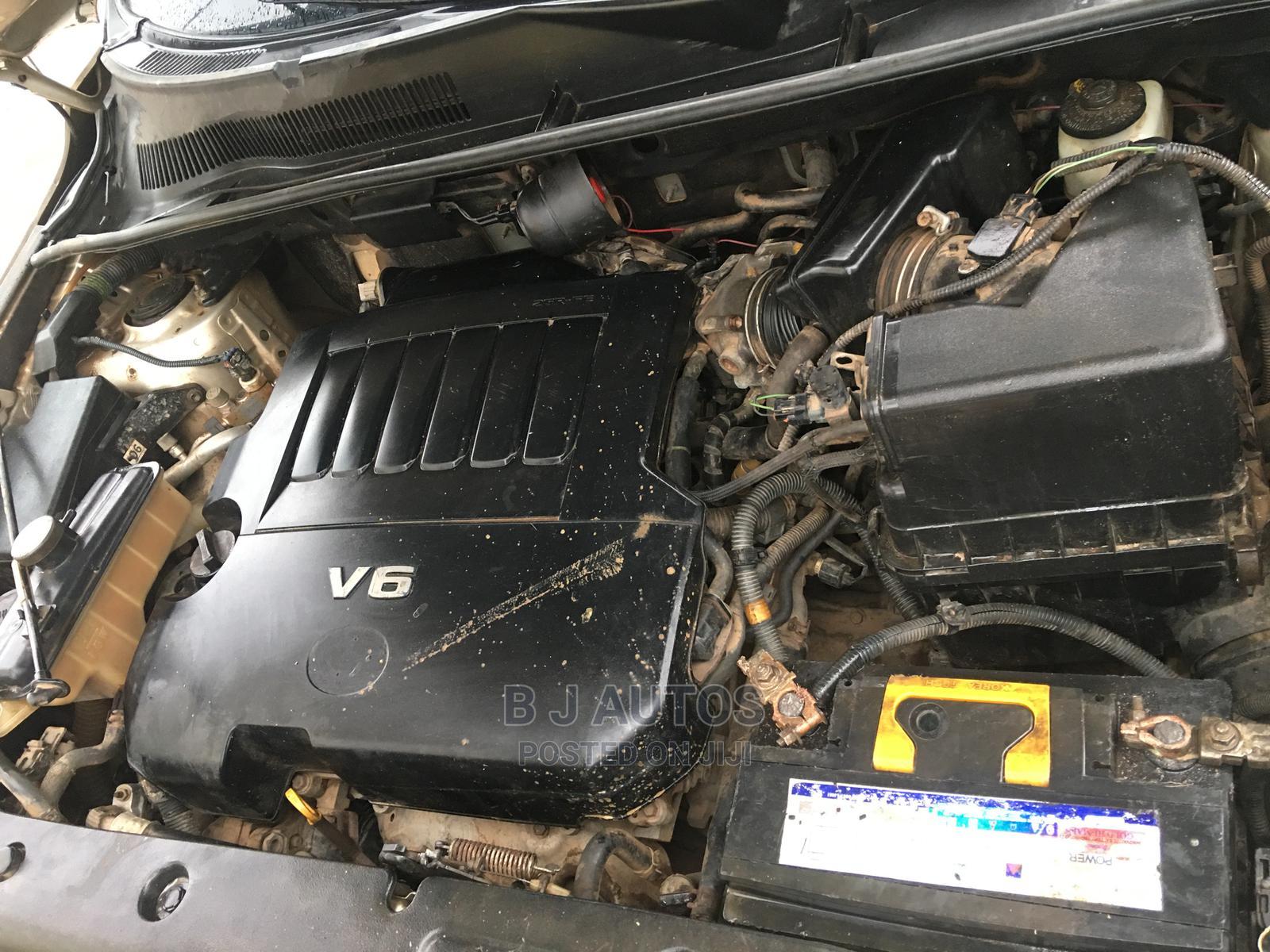 Archive: Toyota RAV4 2008 Gold