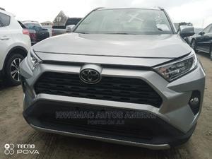 Toyota RAV4 2019 XLE Premium AWD Silver | Cars for sale in Lagos State, Amuwo-Odofin