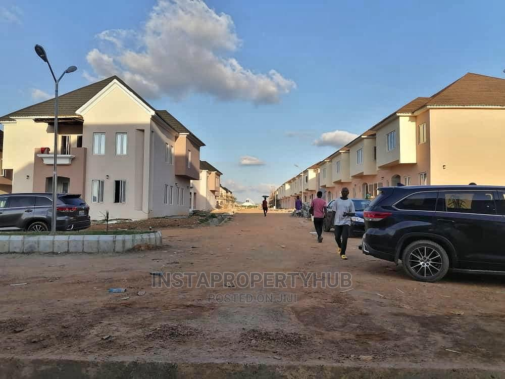 2bdrm Block of Flats in Gwarinpa for Sale