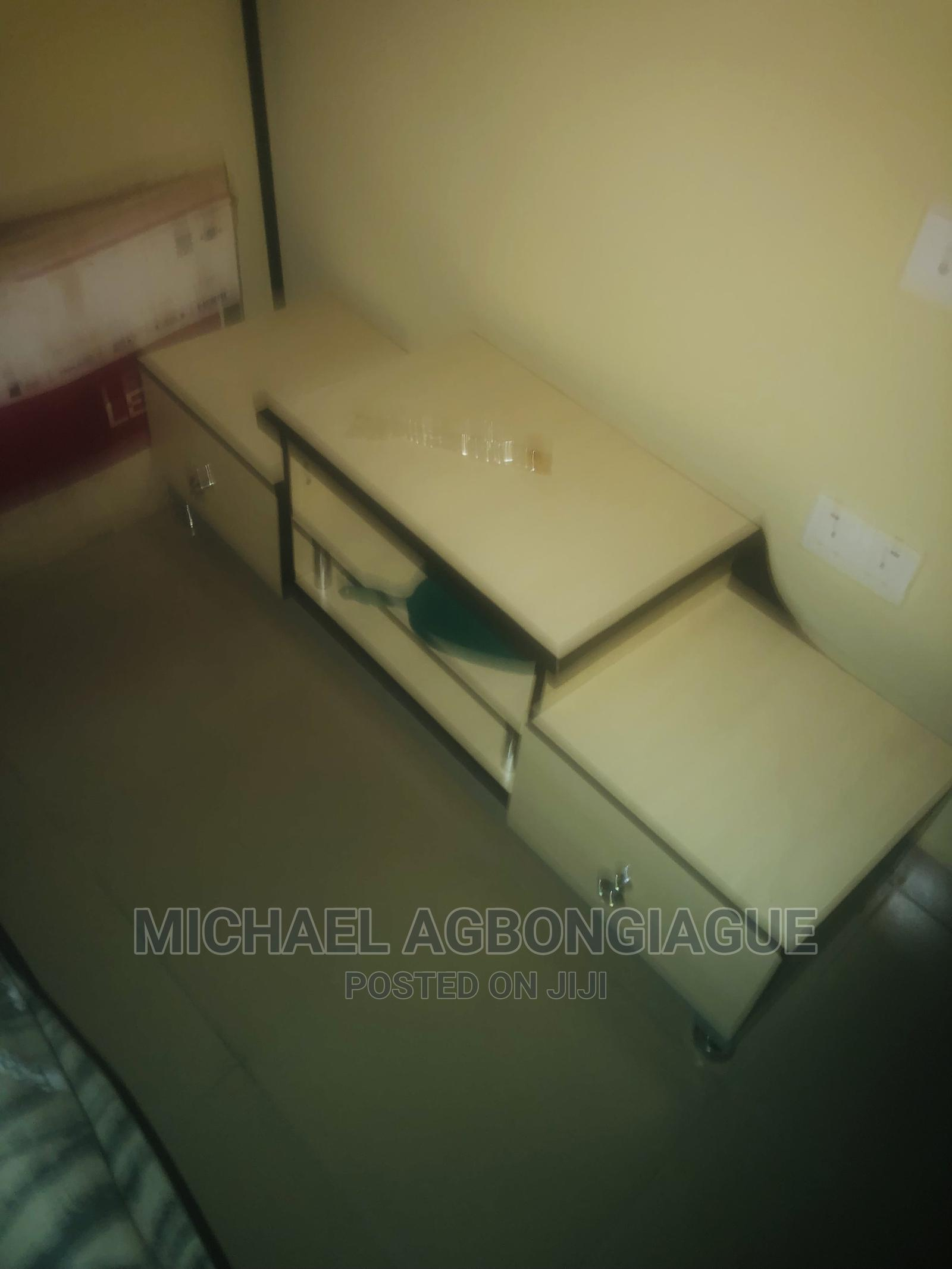 Archive: Tv Stand HD Wood