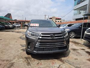 Toyota Highlander 2017 XLE 4x4 V6 (3.5L 6cyl 8A) Gray | Cars for sale in Lagos State, Amuwo-Odofin