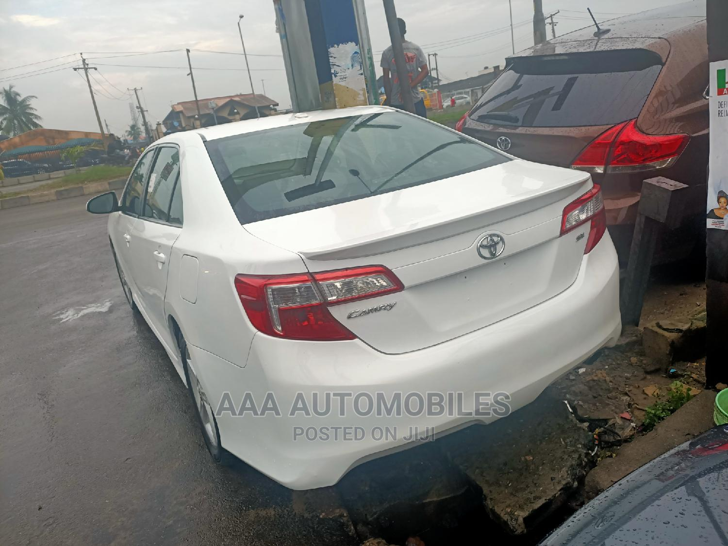 Toyota Camry 2012 White   Cars for sale in Surulere, Lagos State, Nigeria