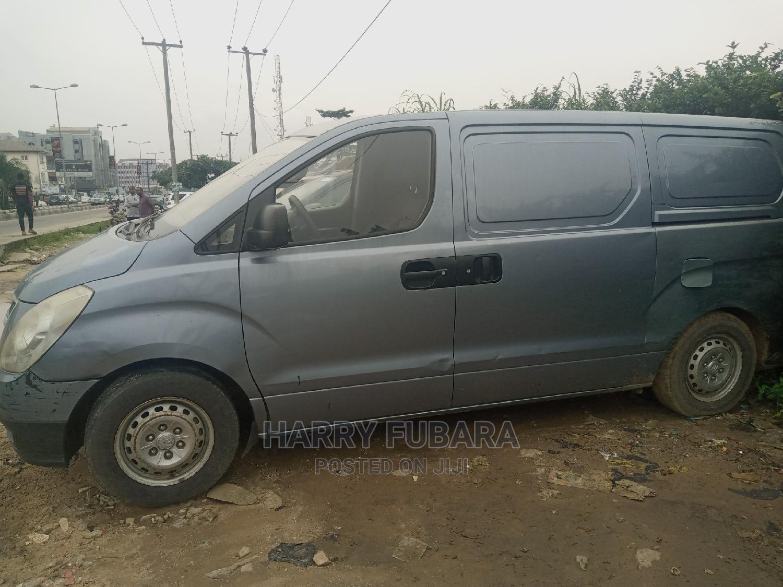 Archive: Hyundai H1 2012 2.4 GLS Gray